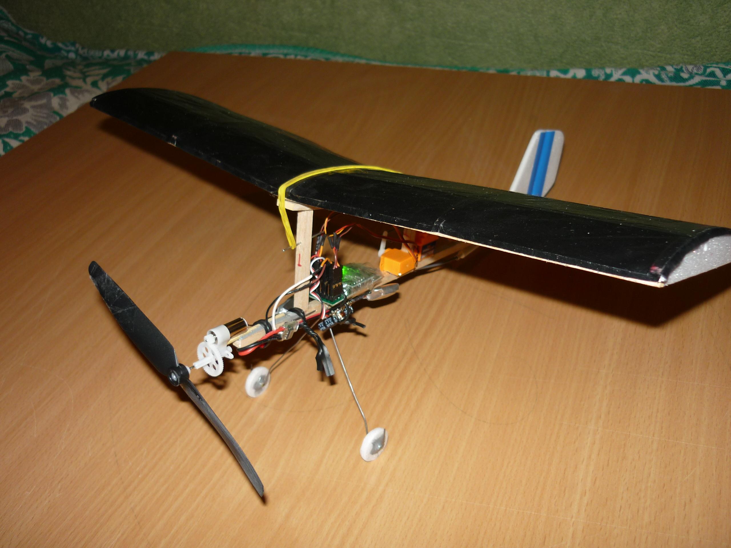 Как сделать из спичек самолет чтобы он летал