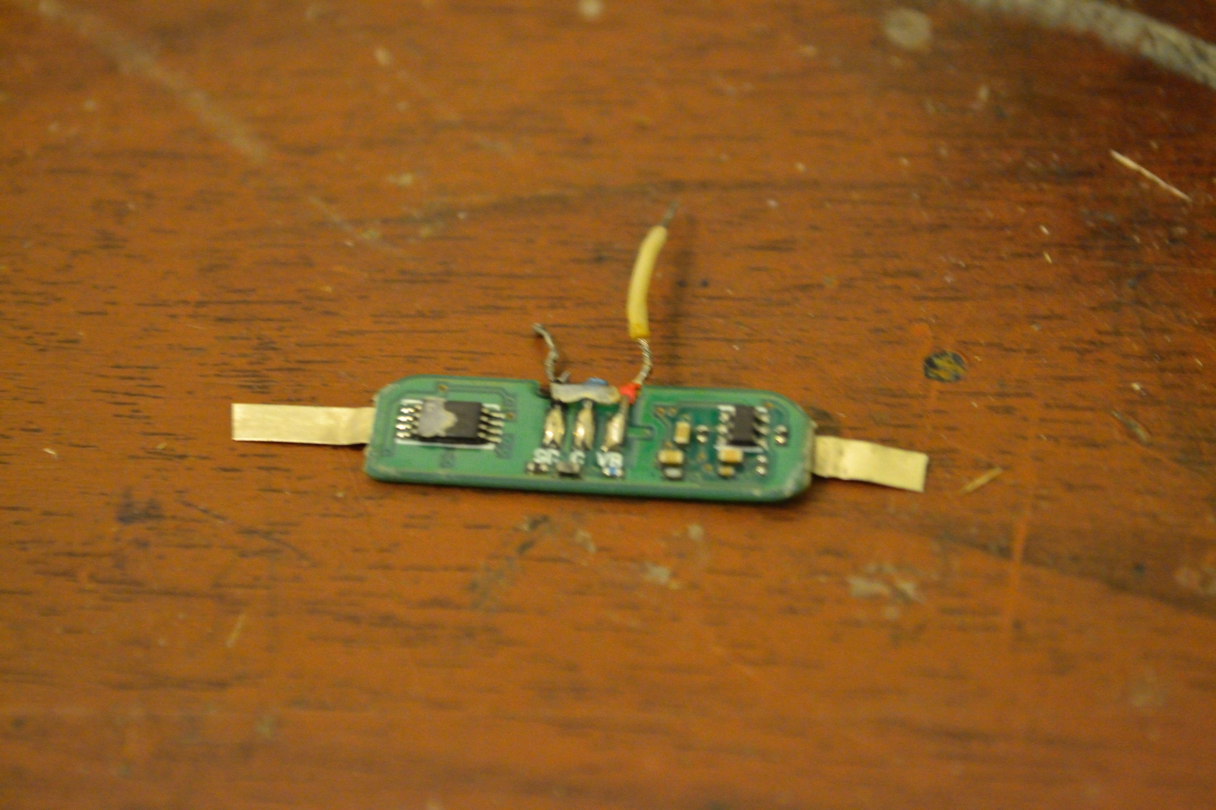 Резистор в схеме греется