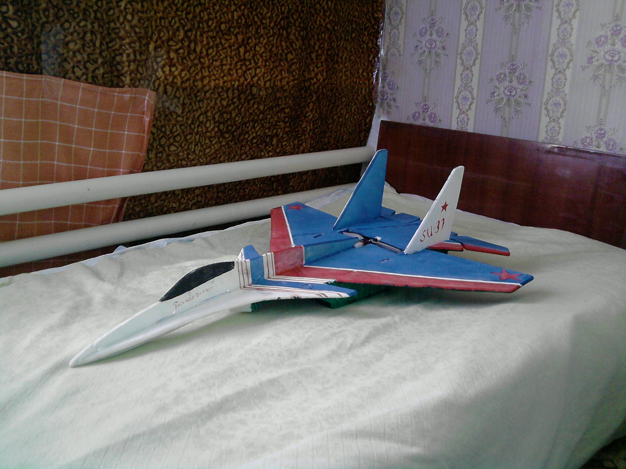 Радиоуправляемый самолёт своими руками из потолочки 92