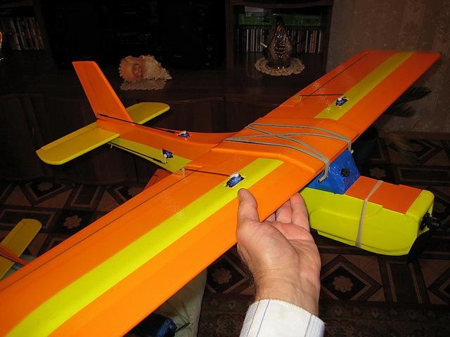 Радиоуправляемый самолёт своими руками из потолочки 483