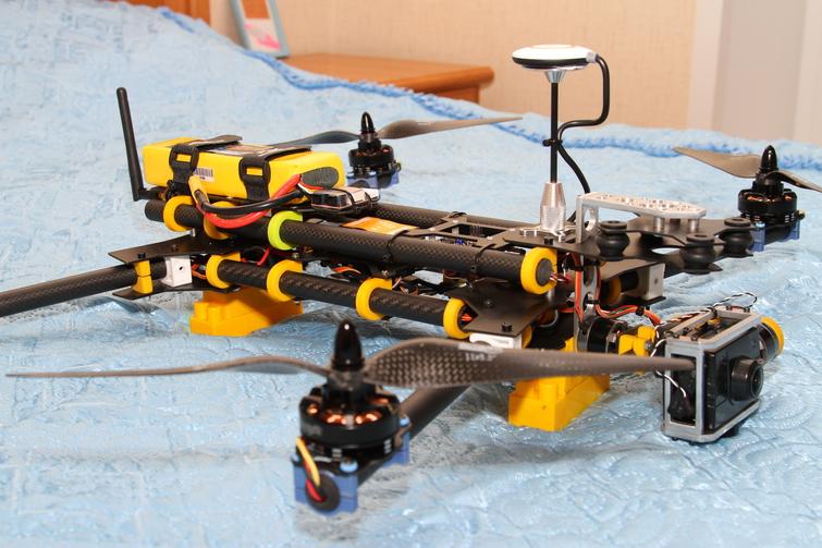 Квадрокоптер из пластиковых труб