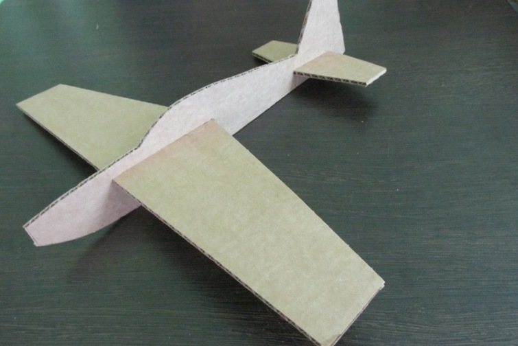 Как сделать из картона самолёт своими руками схема