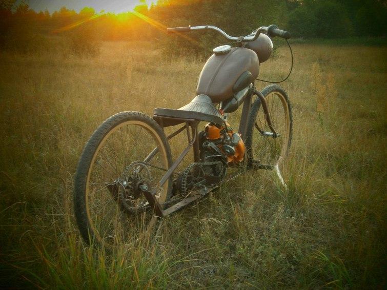 Мотоцикл из бензопилы дружба